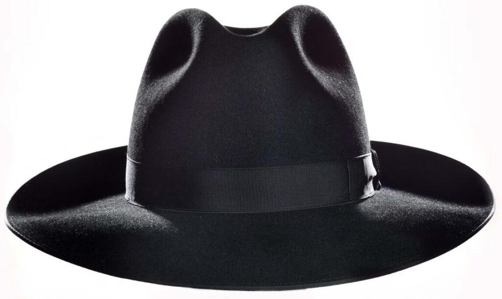 כובע בלמונטי גזרה צרה דוסיז צרכנות