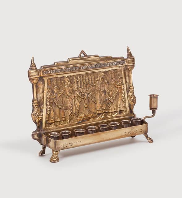 """מוזיאון נחום גוטמן לאמנות משיק: """"חנוכייה לי יש"""". סקירה דוסיז צרכנות"""