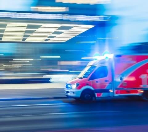 """ביטוח ישיר מעניקה ללקוחותיה חיישן שמזהה תאונת דרכים ובמידת הצורך שולח אמבולנס של מד""""א. סקירה דוסיז צרכנות"""