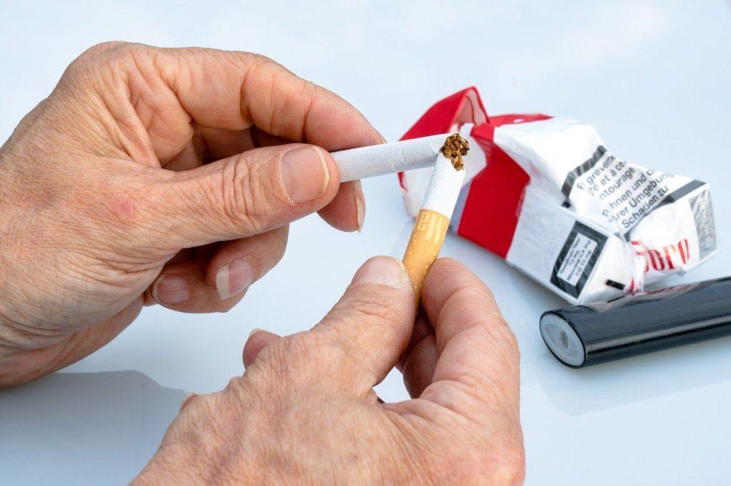 "non-smoking https://pixabay.com/ | סקירה ""דוסיז צרכנות"""