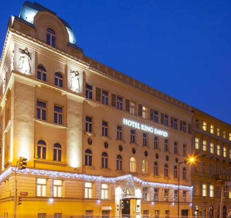 התגעגעתם? לראשונה מאז הקורונה - המלון המפנק והכשר בפראג פותח את שעריו. סקירה דוסיז צרכנות