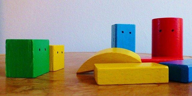 "building-blocks תמונה להמחשה PIXABAY | סקירה ""דוסיז צרכנות מקומית"""