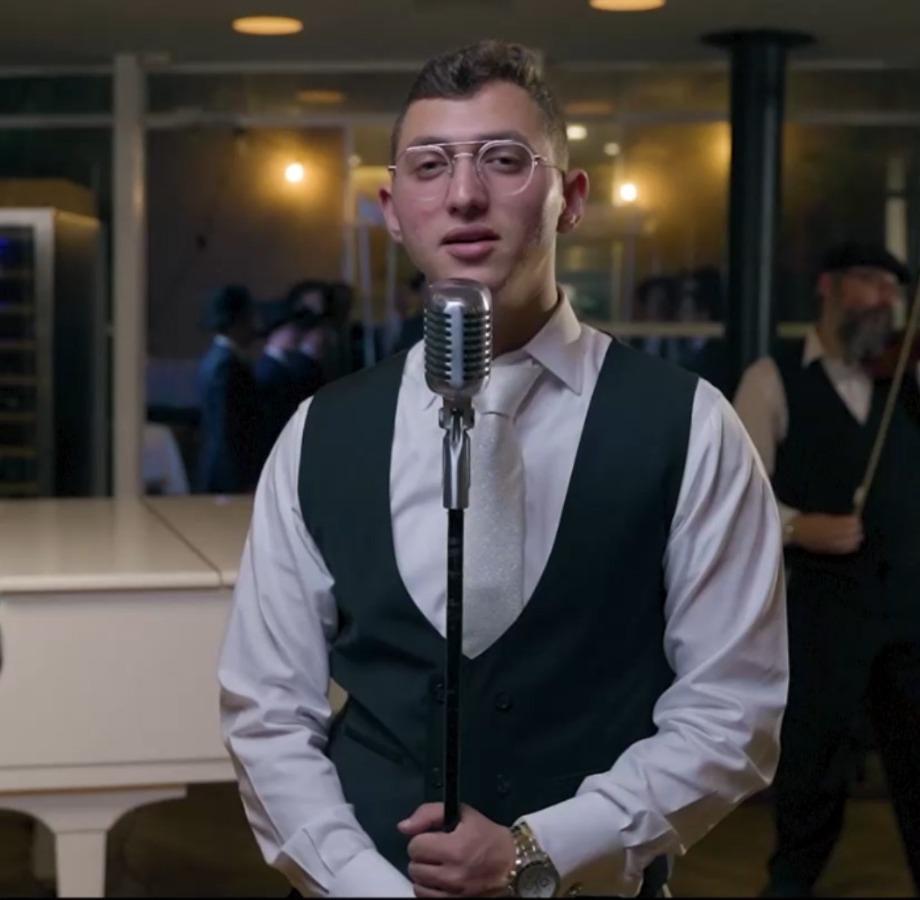"""שמעון מלכובסקי בסינגל קליפ בכורה - """"השבעתי"""". סקירה דוסיז צרכנות"""