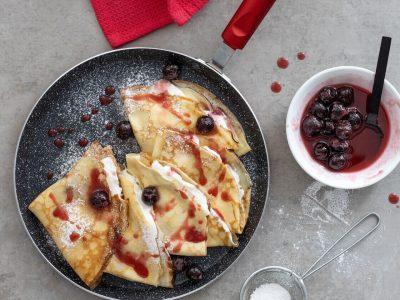 בלינצס ריקוטה ודובדבני אמרנה מתכון מאיה דרין, שפית ועיתונאית אוכל, צילום גל בן זאב באדיבות סולתם | סקירה