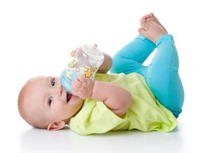 בקבוק מבית מותג התינוקות NUBY, יחצ חול | סקירה