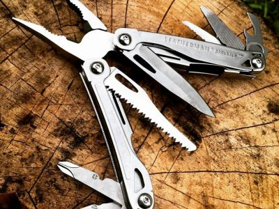 כלי רב תכליתי לדרמן SIDEKICK , 396 שח,להשיג בחנויות הטיולים המובחרות ובאתר www.Leatherman.co.il, יחצ חול | סקירה