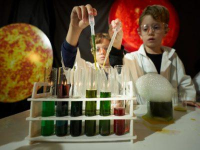 משימות מדעיות בטכנודע - צילום רמי זרנגר | סקירה