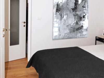 כיצד להתאים דלת פנים לבית בהתאם לפרקט. סקירה דוסיז צרכנות