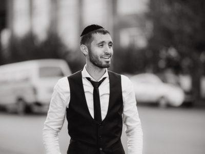 מאלומה החרדי חובק אלבום ביכורים ומתכנן עלייה לישראל ראובן גרבר – איה. סקירה דוסיז צרכנות