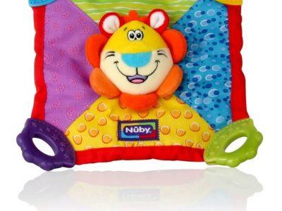 מותג התינוקות האמריקאי המוביל Nuby מציג משחק התפתחותי לתינוק המשלב שמיכה, בובה ונשכן. סקירה דוסיז צרכנות