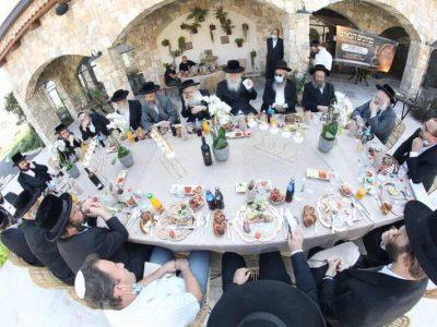 שלומי טריכטר מגיש: תיעוד מקיף מהטקס ומסיור הרבנים והסעודה במתחם האירועים | סקירה
