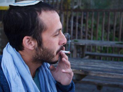 גם סיגריה אחת יכולה לשנות את מסלול החיים: טיפים כיצד לסייע לילדיכם להימנע מעישון. סקירה דוסיז צרכנות